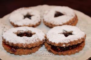 Linzer Tarts Chocolate Hazelnut
