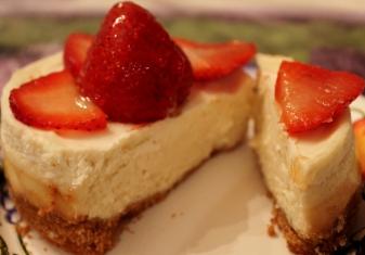 mini cheesecake cut